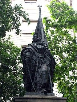 098 Monument a Rafael de Casanova, ronda de Sant Pere.jpg