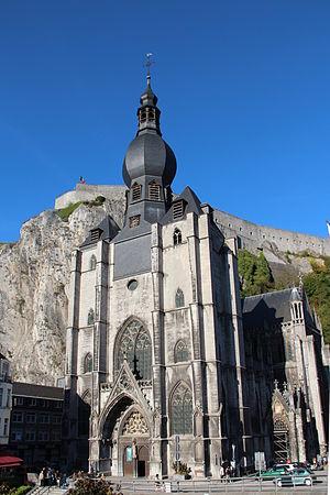 Notre Dame de Dinant - Image: 0 Dinant Collégiale N. D. de l'Assomption et la citadelle (1)
