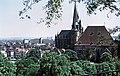 19850704285NR Erfurt Severikirche und Stadt.jpg