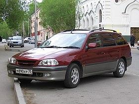 1997 Toyota Caldina 01.jpg