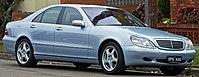 2001 Mercedes-Benz S 430 (W 220) sedan (2010-09-23) 01.jpg