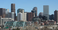 2006-03-26 Denver Skyline I-25 Speer.jpg