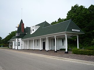 http://upload.wikimedia.org/wikipedia/commons/thumb/a/a9/2009-0619-Charlevoix-Depot.JPG/320px-2009-0619-Charlevoix-Depot.JPG