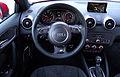 2015 Facelift Audi A1 Typ 8X 1.8 TFSI S tronic 141 kW Cockpit Interieur Innenraum.jpg