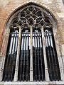 2016-Maastricht, St-Servaasbasiliek, Pandhof, oostelijke kloostergang, raam 7.jpg