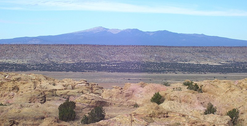 File:48 Acoma Pueblo view of Mount Taylor to north.jpg