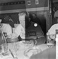 51ste Tour de France 1964, maaltijden Nederlandse ploeg Piet van Est, Bestanddeelnr 916-5755.jpg