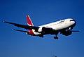 71bw - Qantas Boeing 767-338ER; VH-OGE@SYD;11.09.1999 (5362891649).jpg
