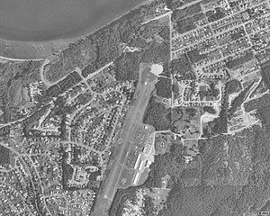Anacortes Airport - USGS aerial image as of 21 July 1998