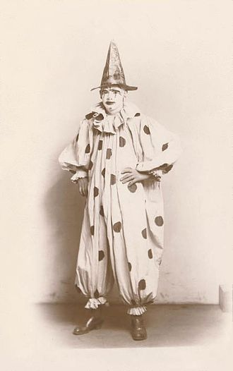 Circus clown - A whiteface circus clown in 1907