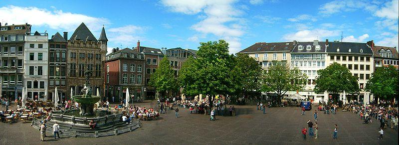 Soubor:Aachen Blick vom Rathaus.jpg