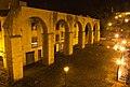 Acueducto de los Pilares en Oviedo, vista nocturna 8.jpg