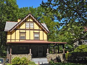 Henry Albertson Subdivision Historic District - Image: Albertson 19 Greenway Del Co PA