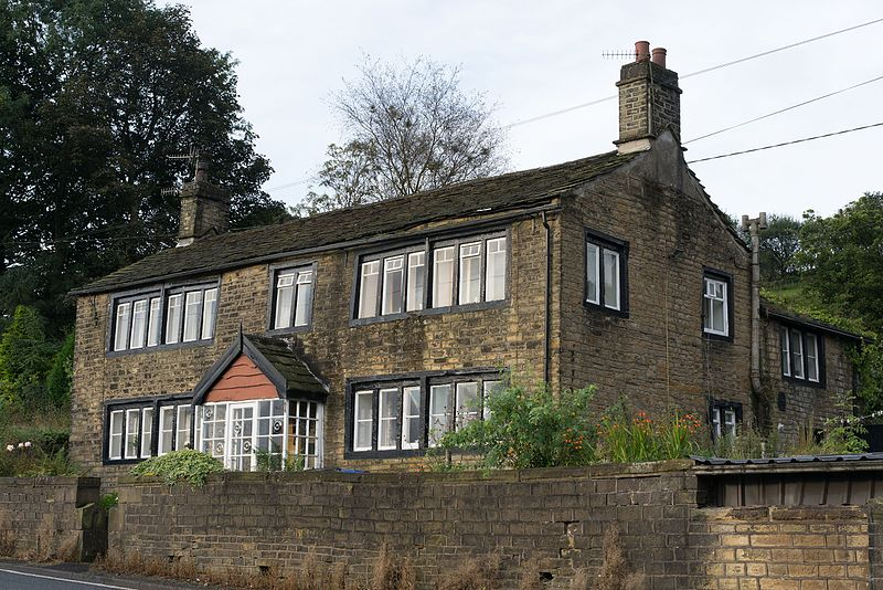 File:Albion Farm House Delph.jpg