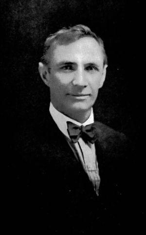 Allan Riverstone McCulloch - Image: Allan Riverstone Mc Culloch portrait cropped