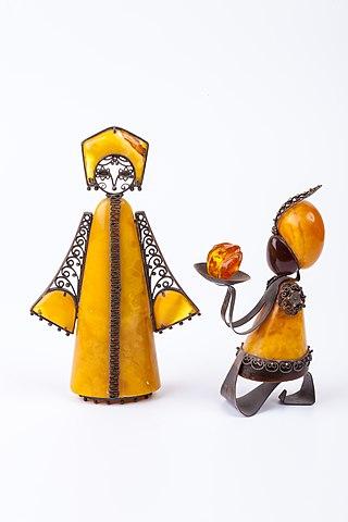Amber Suvenirs - Matryoshka (1973) and Little blackamoor Kaliningrad Amber Combine.jpg