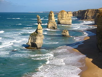 The Twelve Apostles (Victoria) - 2003 before the collapse