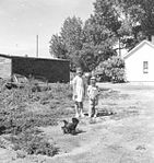 Art Stutzman Children In Cairo, Nebraska (7135695173).jpg
