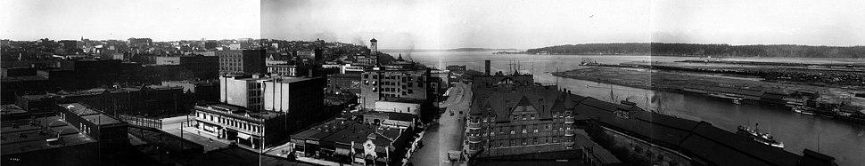 Tacoma manufacturing district and tide flats, 1912.