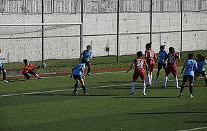 Ataşehir Belediyespor - Ataşehir Belediyespor (red) in attack at home match against Marmara Üniversitesi Spor (2013–14 season)