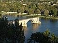 Avignon le pont St-Bénezet depuis le Rocher des Doms.JPG