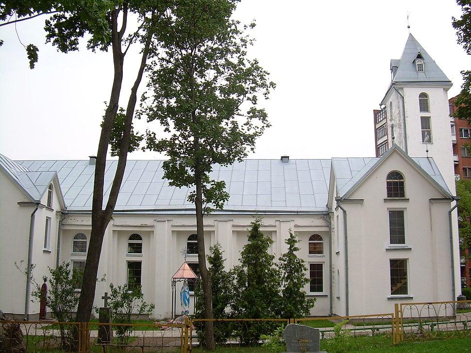 BZN Radviliskis church sideview left