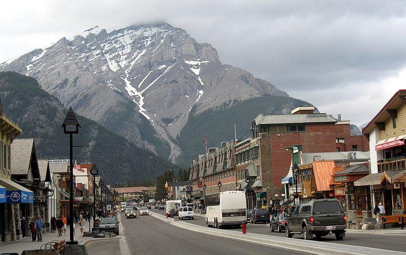 De carro de Calgary até Banff