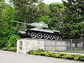 Baruth Mark Sowjetischer Ehrenfriedhof linker T34 Panzer Seitenansicht.JPG