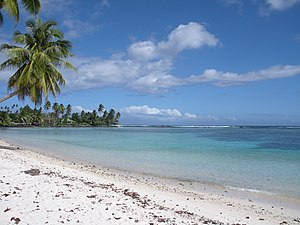 English: Beach view on Upolu Island, Samoa, 20...
