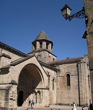 Beaulieu-sur-Dordogne - Image: Beaulieu sur Dordogne church entrance