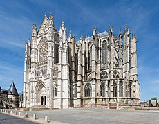 Beauvais Cathedral Exterior 1, Picardy, France - Diliff.jpg
