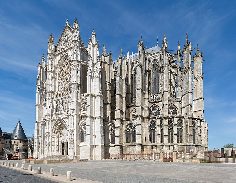 771px-Beauvais_Cathedral_Exterior_1,_Pic