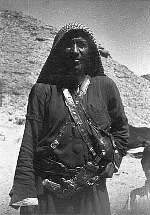 Keffiyeh - Saudi Arabian bedouin man wearing a keffiyeh