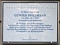 Berliner Gedenktafel Zietenstr 22 (Schön) Günter Pfitzmann.jpg