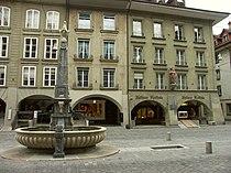 Bern Kreuzgassbrunnen-2.jpg