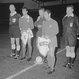 1962 European Cup Final - The referees, and captains José Águas and Francisco Gento before kick-off