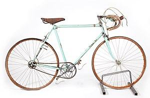 Road bicycle - The steel frame racing bicycle by the Italian company Bianchi used by Fausto Coppi to win the 1949 Milan–San Remo race