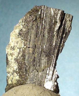 Bismuthinite - Bismuthinite crystal group from Bolivia (size: 2.9 x 1.9 x 1.5 cm)