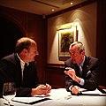 Botschafter Murphy im Interview mit Klaus Smentek vom Kicker (7637395292).jpg