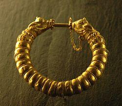 Bracelet Amrit Louvre Bj2238b.jpg
