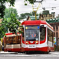 Brand new low-floor 71 631 tram in Sankt -Petersburg (9410767516).jpg