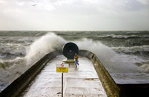 2009 Great Britain and Ireland floods - Sea conditions observed on 14 November in Brighton, England