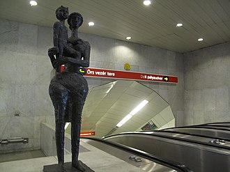 Kossuth Lajos tér (Budapest Metro) - Image: Budapešť 0747