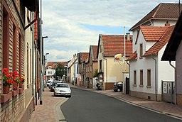 Budenheim, Blick in die Binger Straße