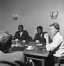 Bolikango (left) meeting with politicians in Bonn, Germany in February 1960