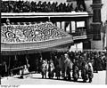 Bundesarchiv Bild 135-BB-110-04, Tibetexpedition, Neujahrsfest im Potala.jpg