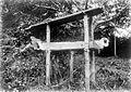 COLLECTIE TROPENMUSEUM Een doodskist te Panji Kutabaru Aceh Noord-Sumatra TMnr 10003224.jpg