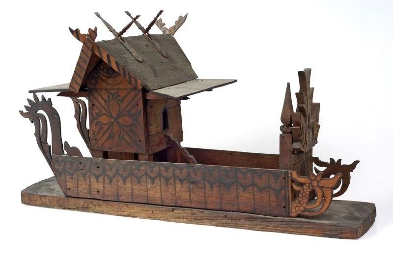 COLLECTIE TROPENMUSEUM Model van een geestenhuisje of zielenschip TMnr A-1548