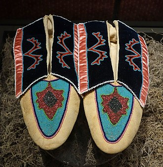Caddo - Moccasins made by Mrs. Sien-Coit Sturm (Caddo), 1909, collection of the Bata Shoe Museum, in Toronto, Ontario