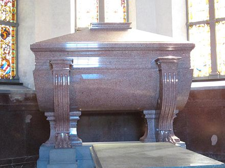 Charles John's huge granite sarcophagus Carl XIV John of Sweden grave 2013.jpg